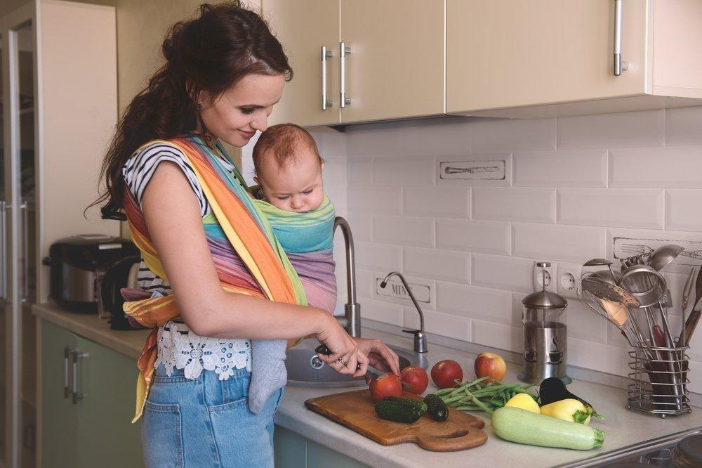 Зачем маме и ребенку слинг?