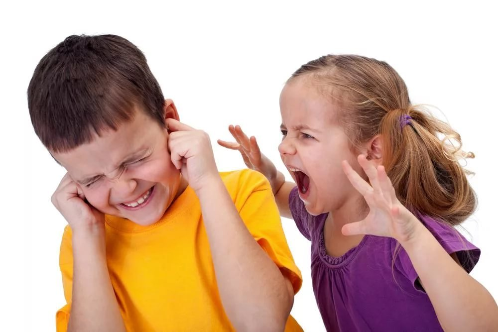 Злость и агрессивность отталкивает детей