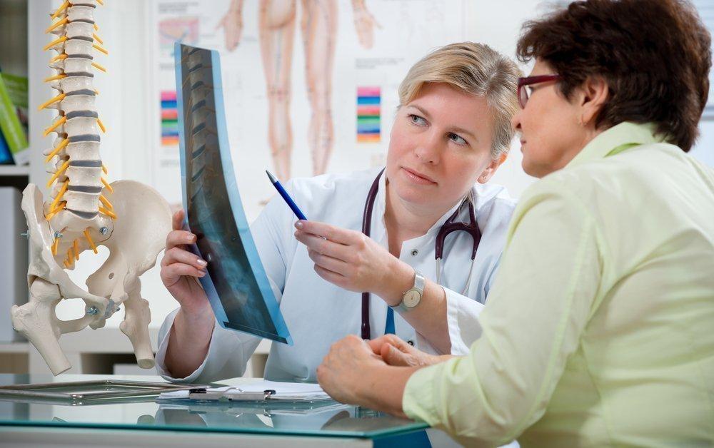 Грыжа диска — осложнение остеохондроза?