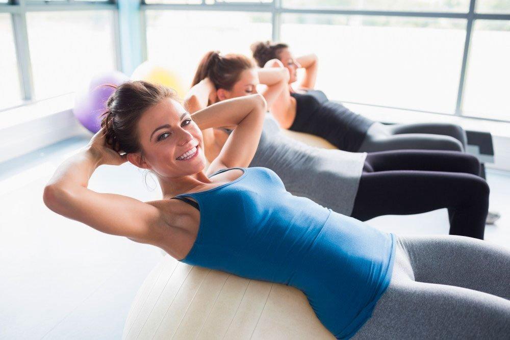 Тренировки дома или в фитнес-клубе