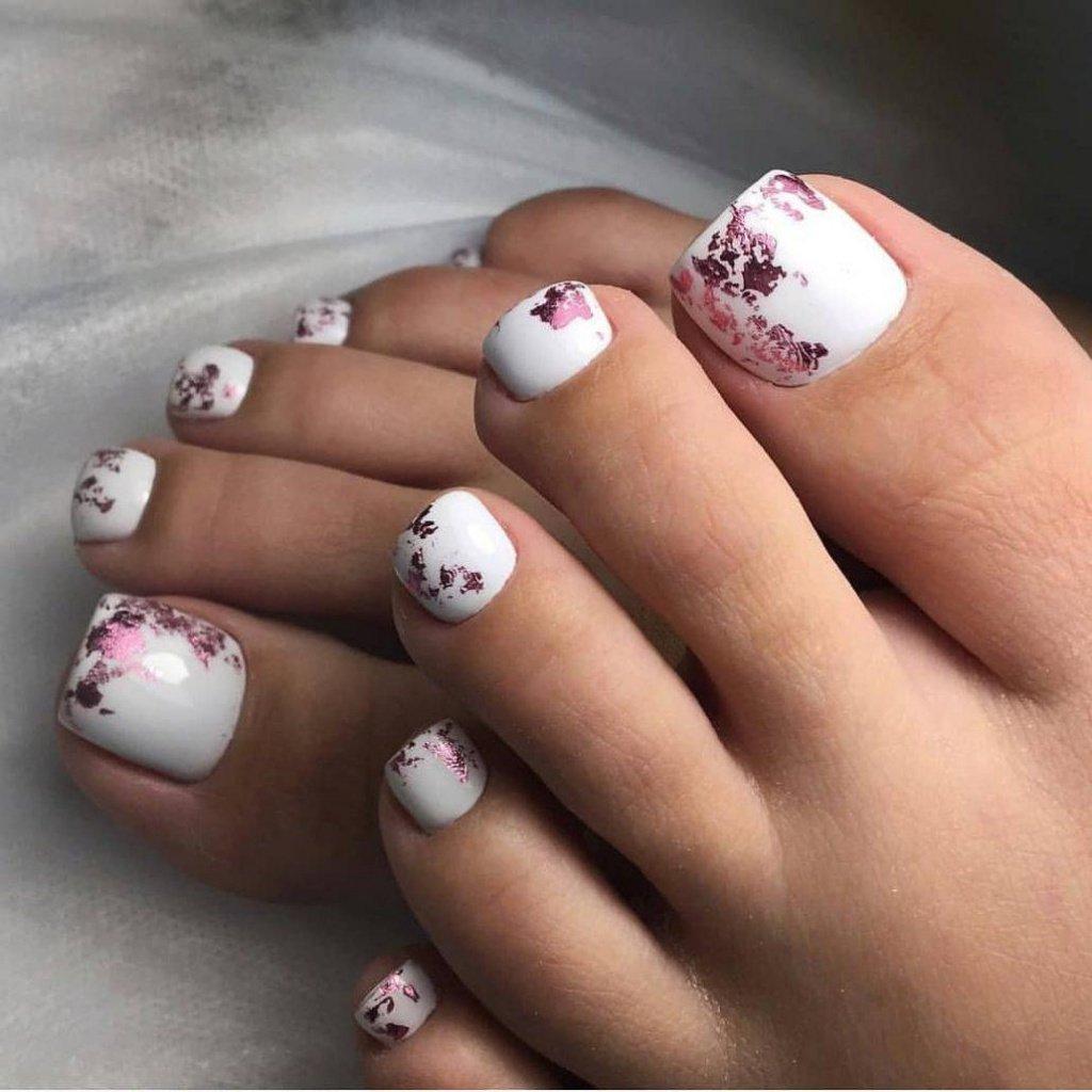 2. Белый Total Look Источник: topdizz.com