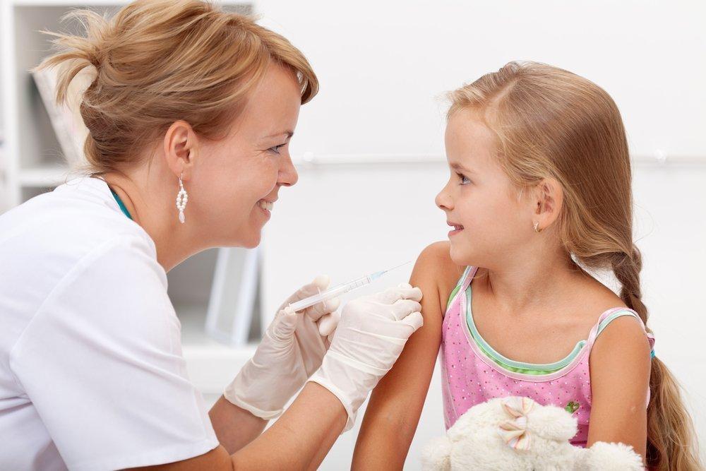 Основа профилактики: прививки от паротита