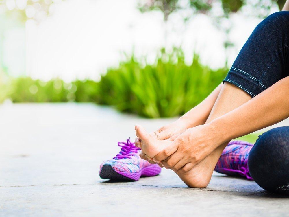 Судороги и тяжесть в ногах при плоскостопии