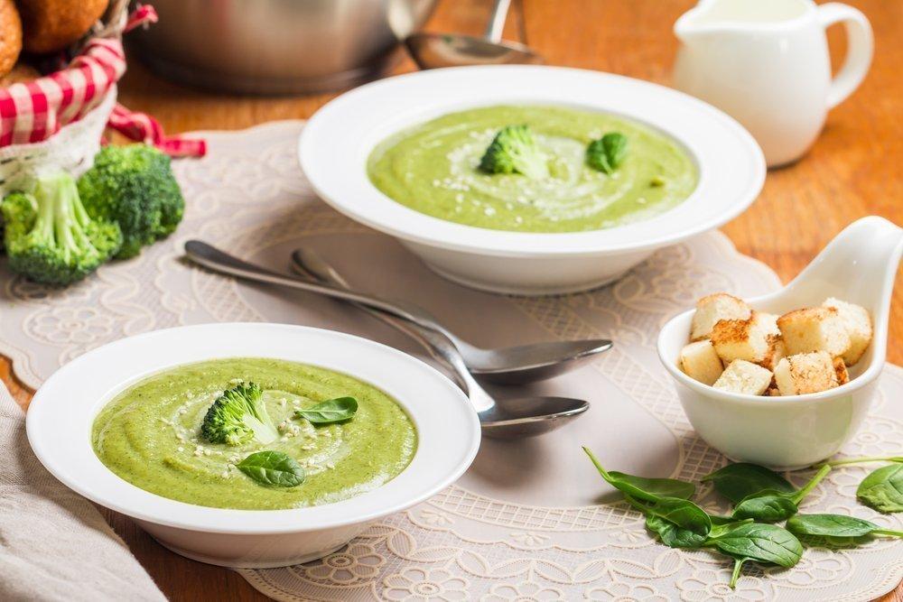 Нежный суп-пюре из брокколи и морепродуктов