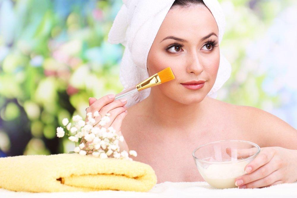 Рецепты полезных масок из молока для ухода за лицом