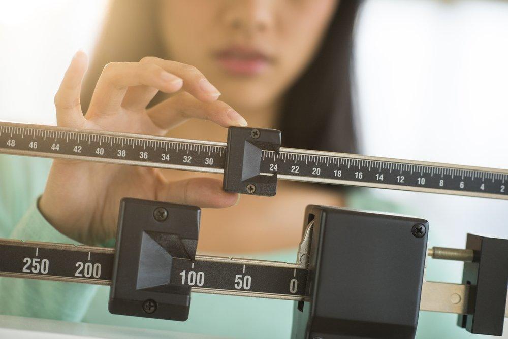 Почему происходит набор веса или похудение