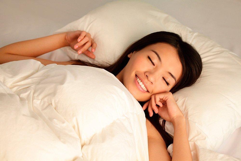 Миф: Чтобы на лице не было морщин, спите на шелковой подушке