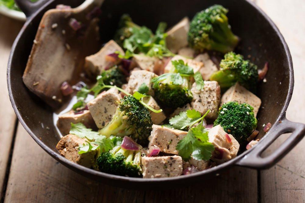 Что можно приготовить из брокколи на сковороде?