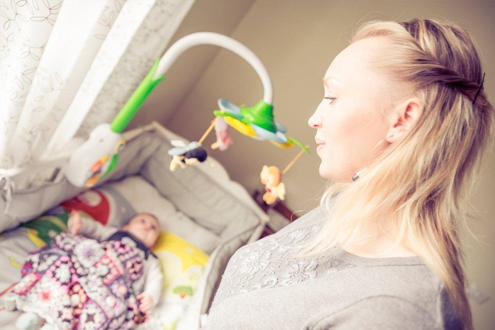 Дети слушают маму и папу