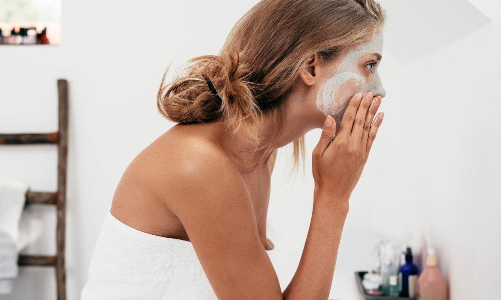 Чем очистить кожу лица?