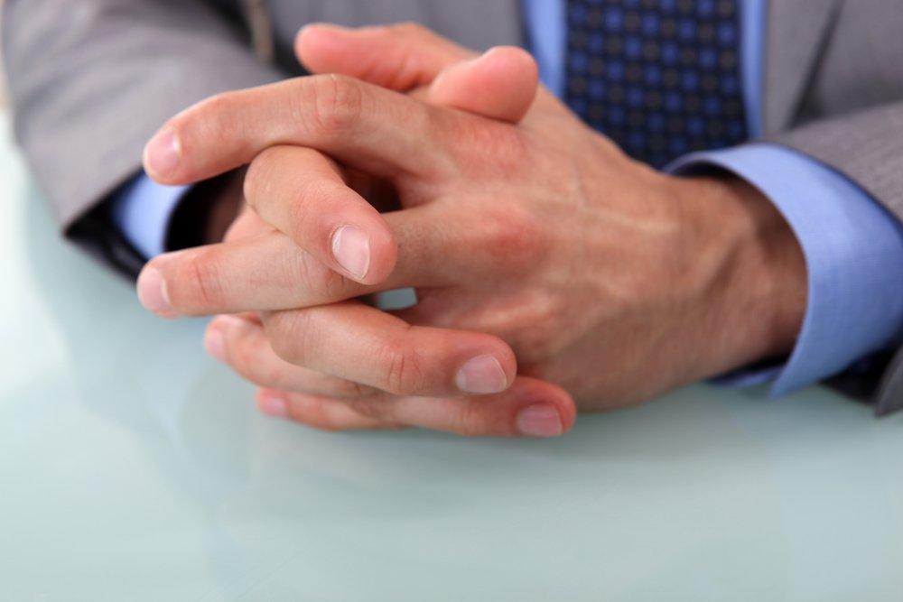 Изменения поверхности ногтей: проблемы с кровью, поражения внутренних органов