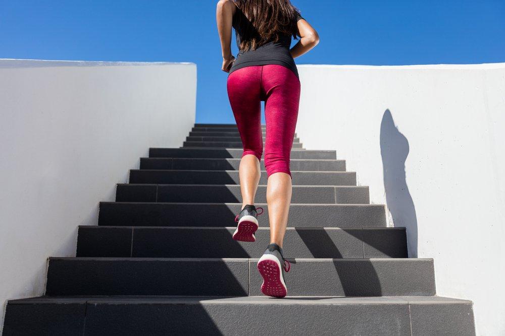 Упражнение 3: Ходьба по лестнице