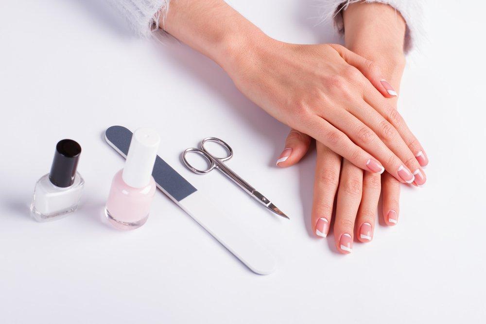 Обработка инструментов для маникюра и педикюра в условиях салона