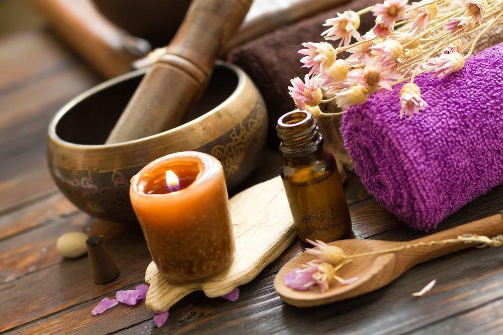 Рецепты средств с эфирными маслами для увядающей кожи