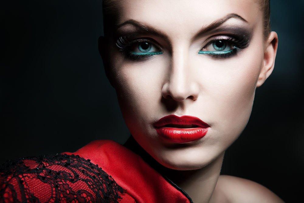 Что собой представляет данный макияж?