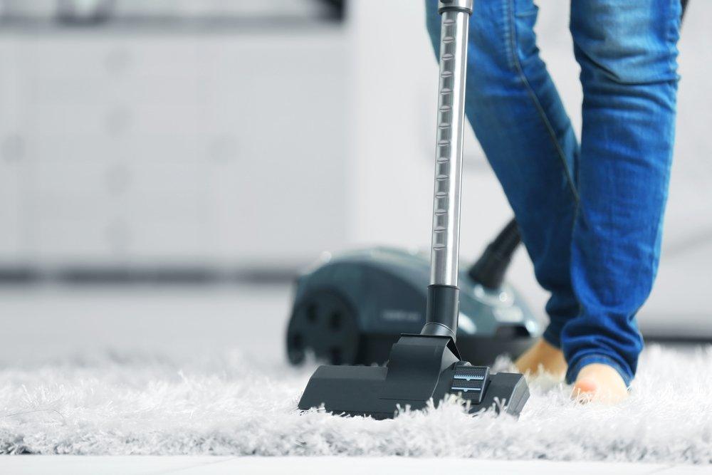 На страже чистоты и здоровья: пылесос