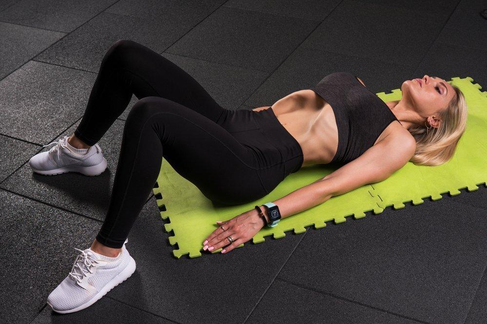 Вакуум в животе: выполнение упражнения