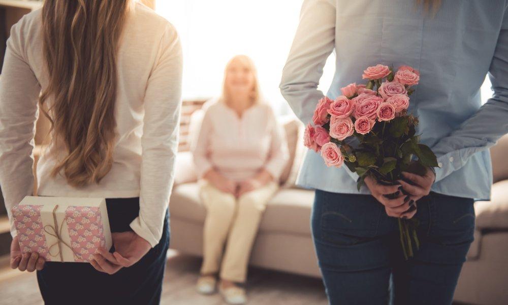 Необычные поздравления: как удивить и порадовать близкого человека?