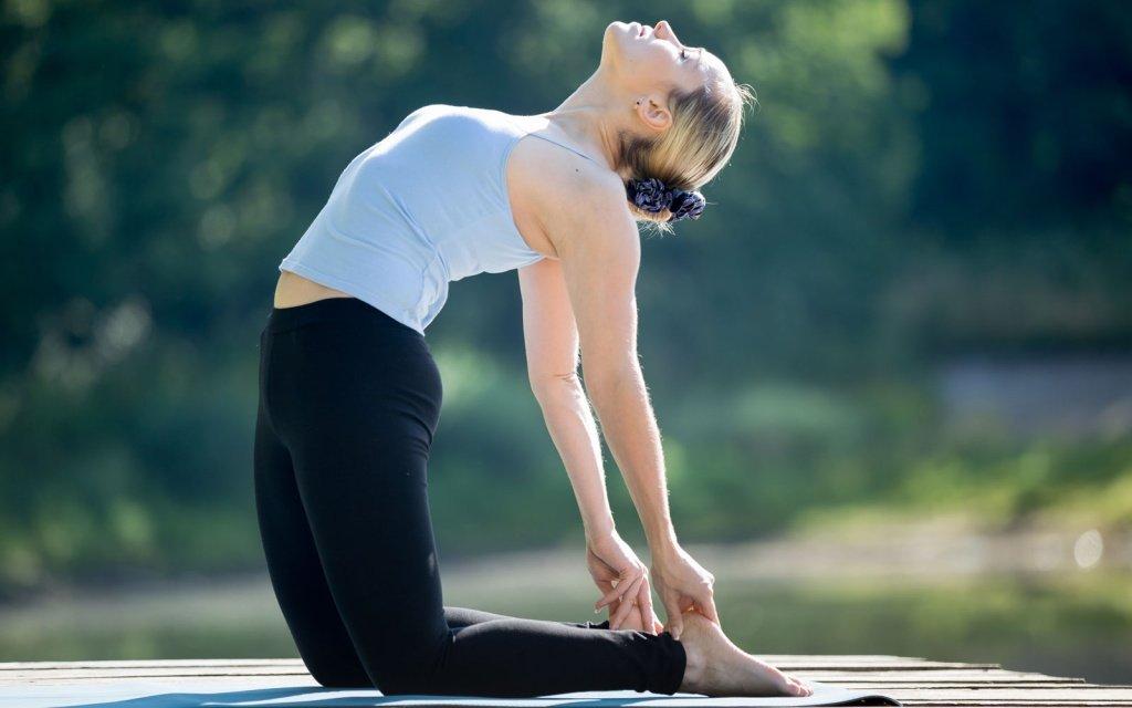 картинки гимнастика на растяжку позвоночника сам себя знаешь