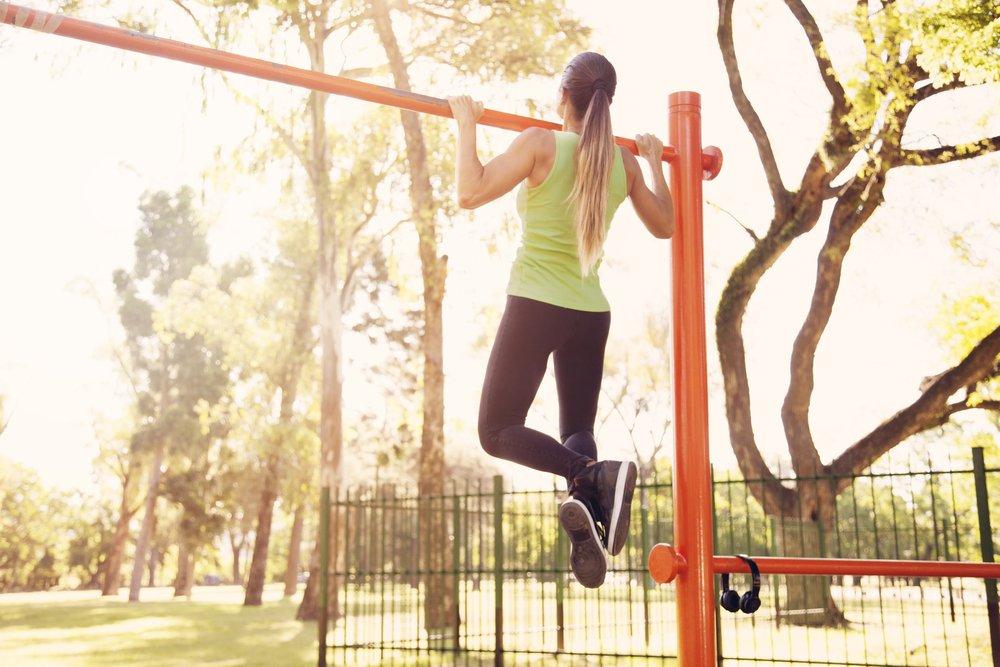 Чем полезна физическая активность на свежем воздухе?