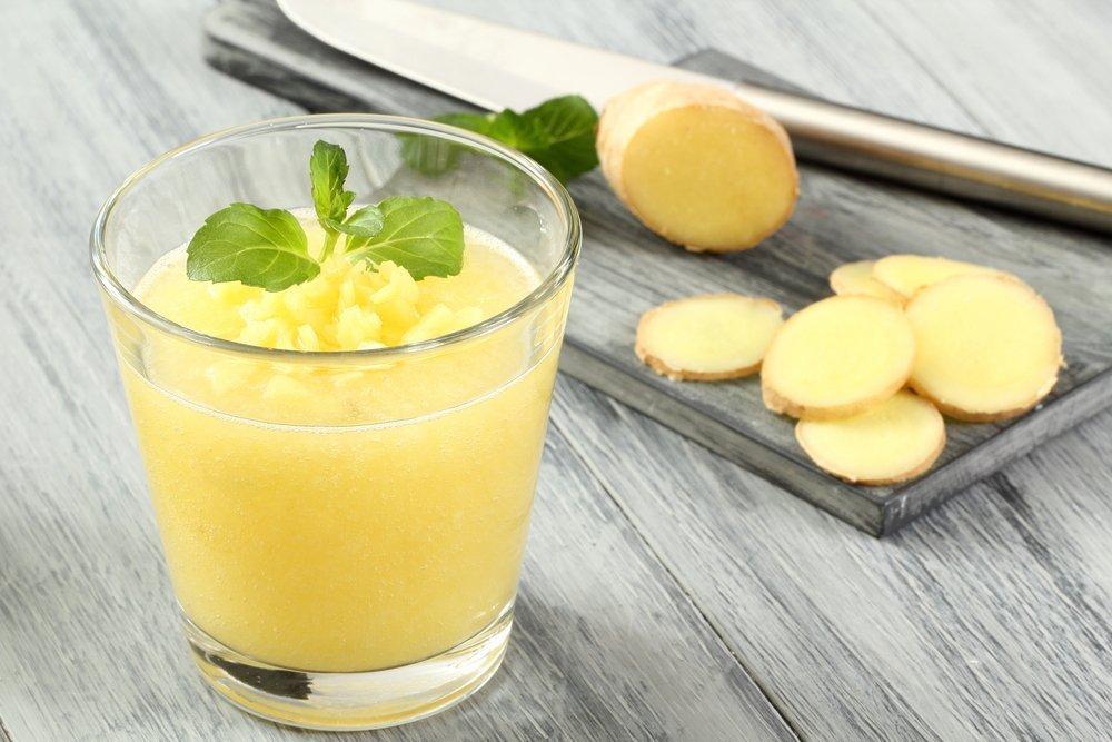 Имбирный смузи с яблоком и базиликом