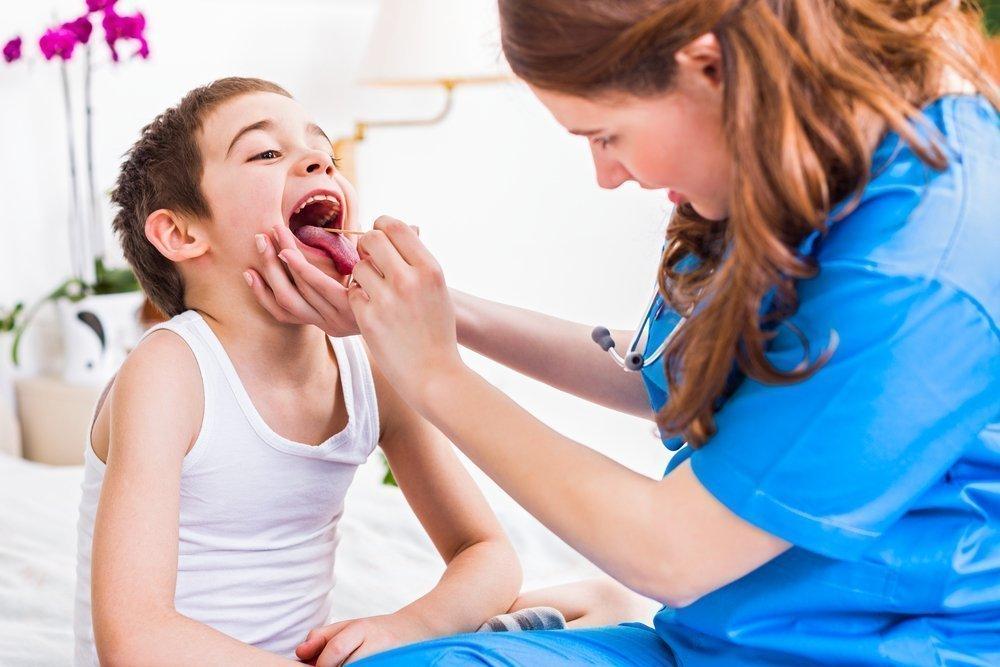 Боль в горле при гриппе у детей