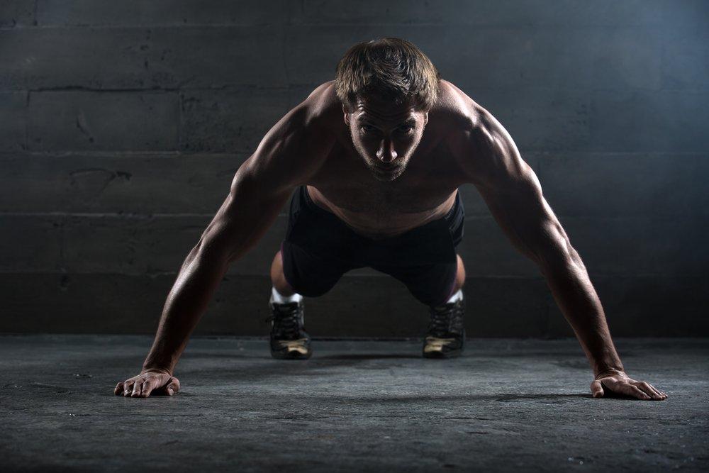 Как избежать появления боли в плечах после отжиманий