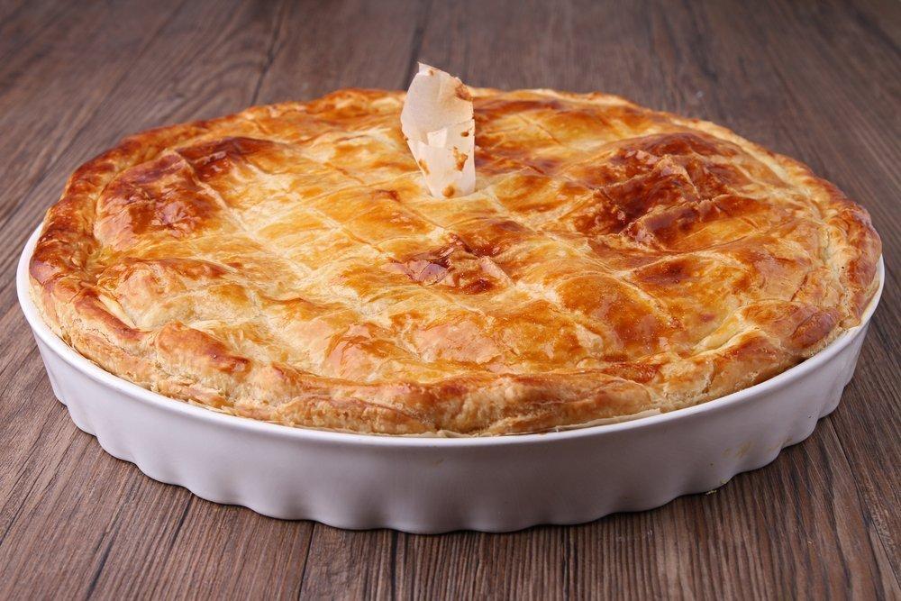 Пирог с картофелем и моцареллой
