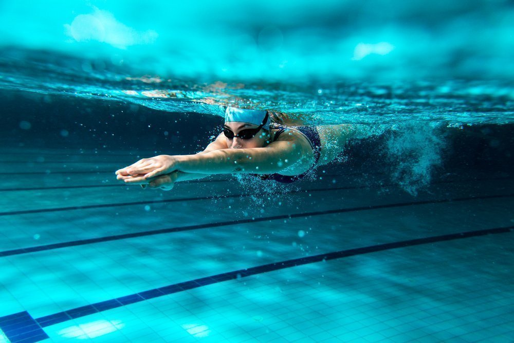 Польза занятий фитнесом в бассейне для поклонников ЗОЖ