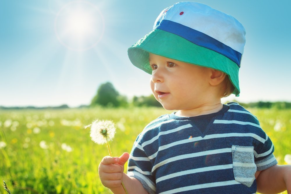 Если ребенок летом много гулял, нужно ли давать витамин D?
