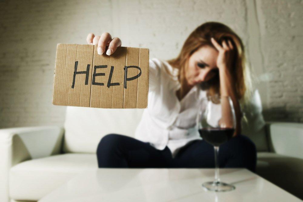 Семейный алкоголизм: что делать, если пьют оба родителя?