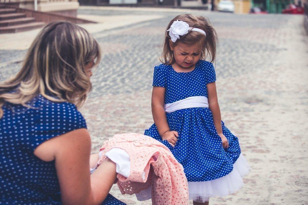 4. Предлагать детям максимум два варианта одежды