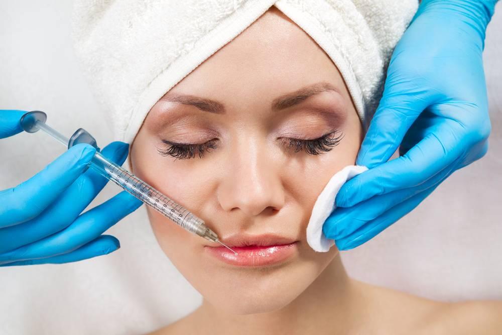 Увеличение губ при помощи уколов
