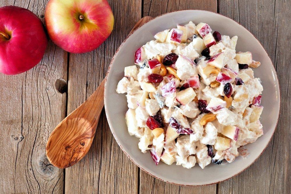 Полезный десерт для пациентов с диабетом: зимний яблочный салат