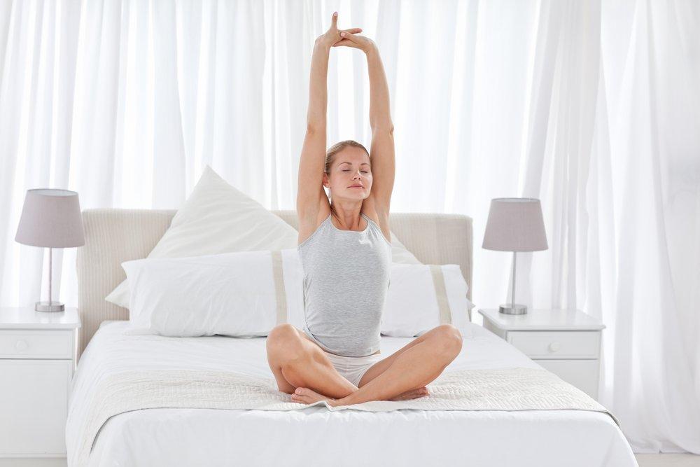 Утренний фитнес: зарядка в постели