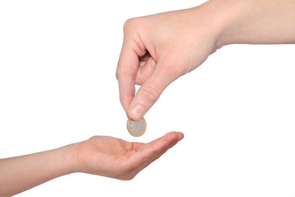 Как и когда знакомить ребенка с деньгами