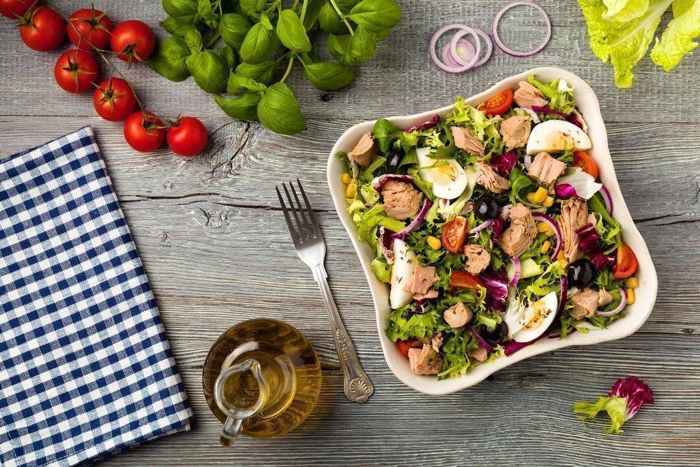 Похудение с салатами: польза для организма