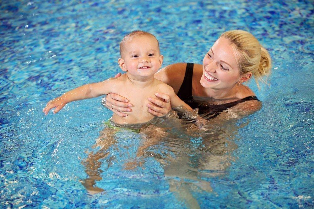 Курсы обучения плаванию для малышей