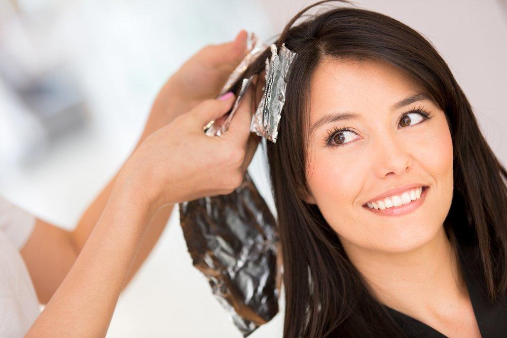 Безопасность красок для волос: что говорит наука