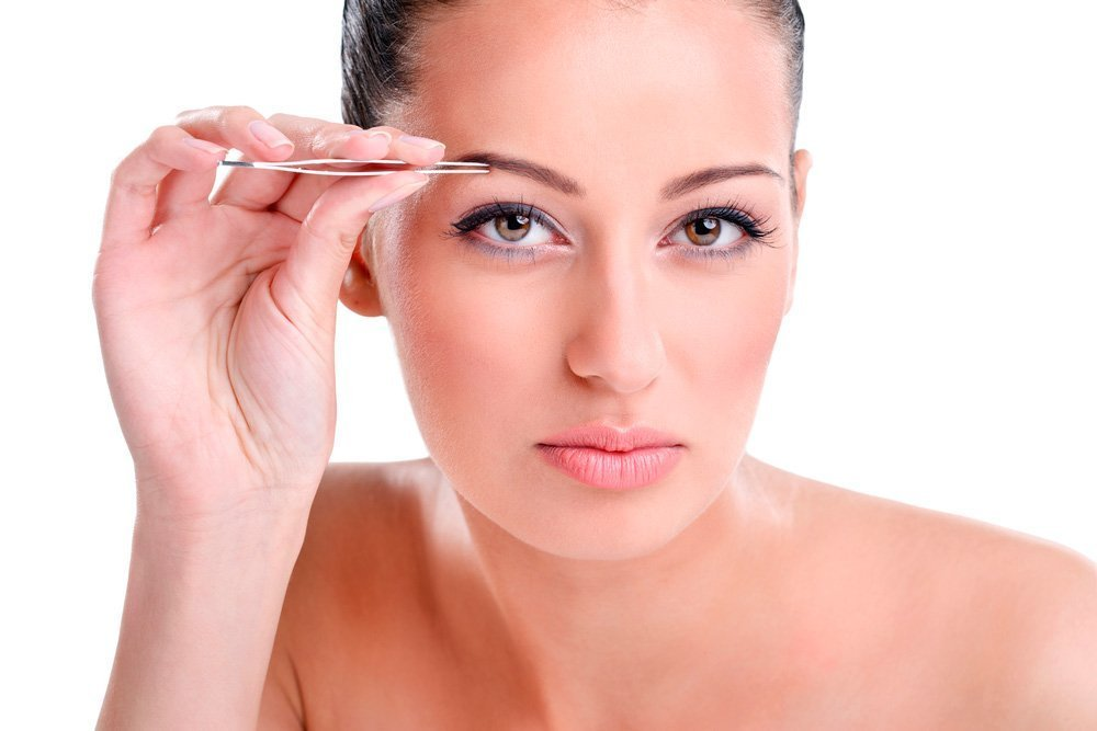 Миф: Выщипывая брови, вы провоцируете их дальнейшее разрастание