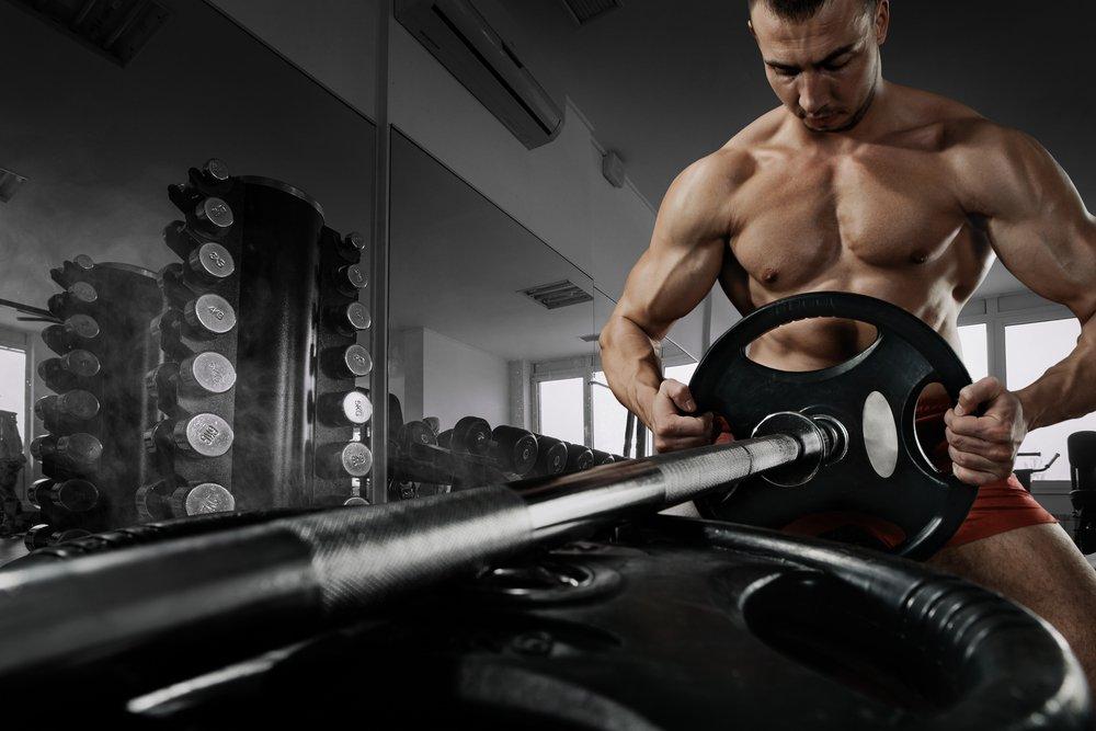 Становая тяга — классическое упражнение для прокачки мышц всего тела