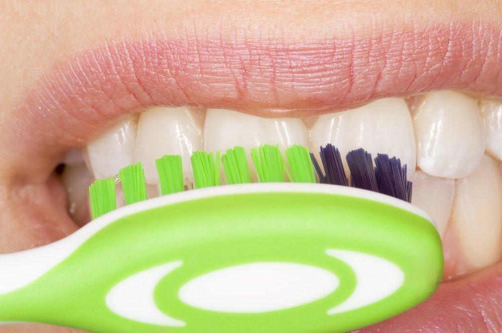 Жесткость зубной щетки и здоровье ротовой полости