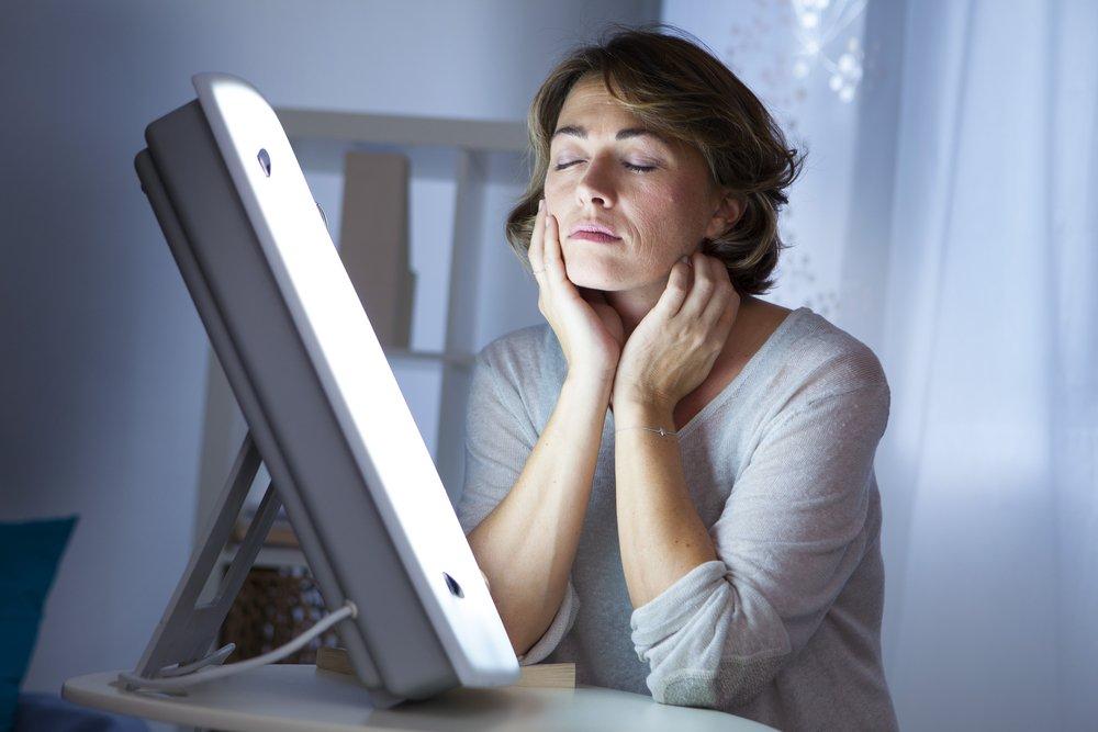 Применение фототерапии: лечим болезни светом