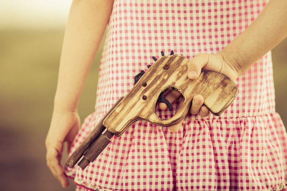 Игрушечные пистолеты: ведут ли они к реальному насилию?