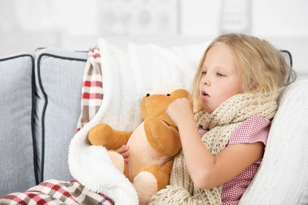 Сухой кашель до рвоты: действия родителей