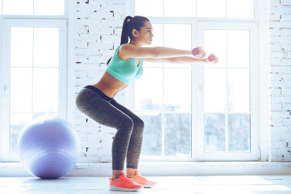 Приседания и махи — самые эффективные упражнения для ягодиц и бедер