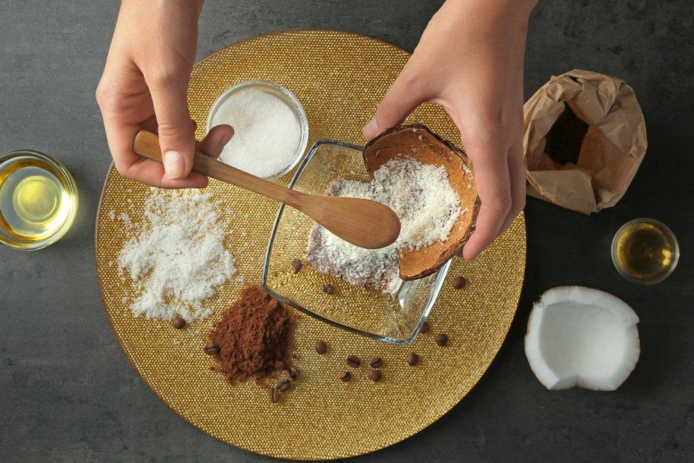 Кокосово-кофейный антицеллюлитный скраб