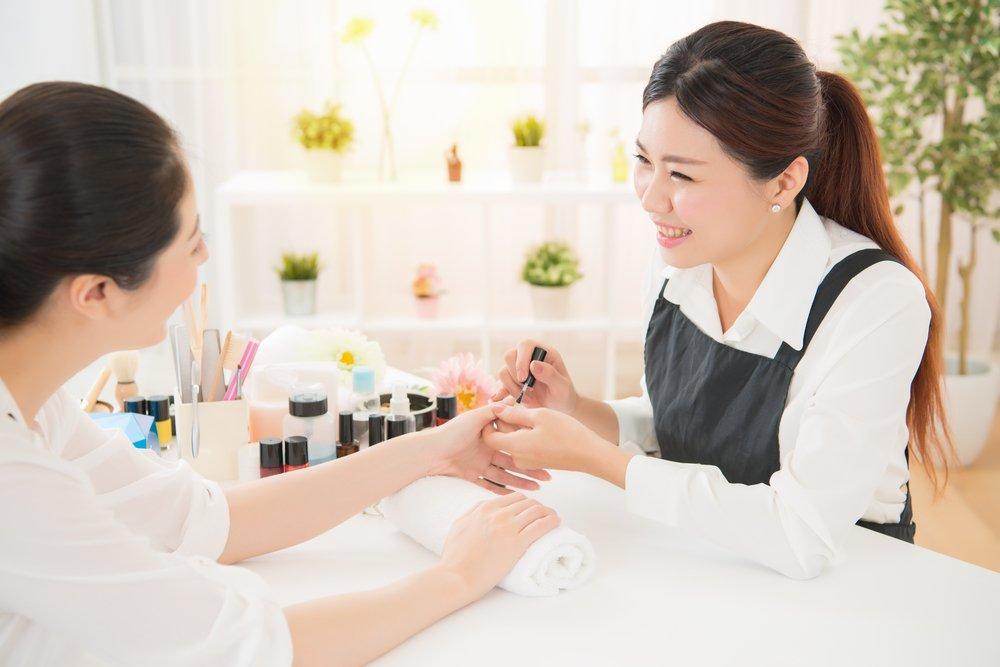 Японский ногтевой сервис — это еще и лечение кожи рук и кутикулы