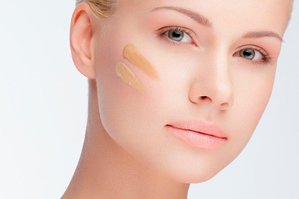 Начинайте макияж глаз с выравнивания тона кожи
