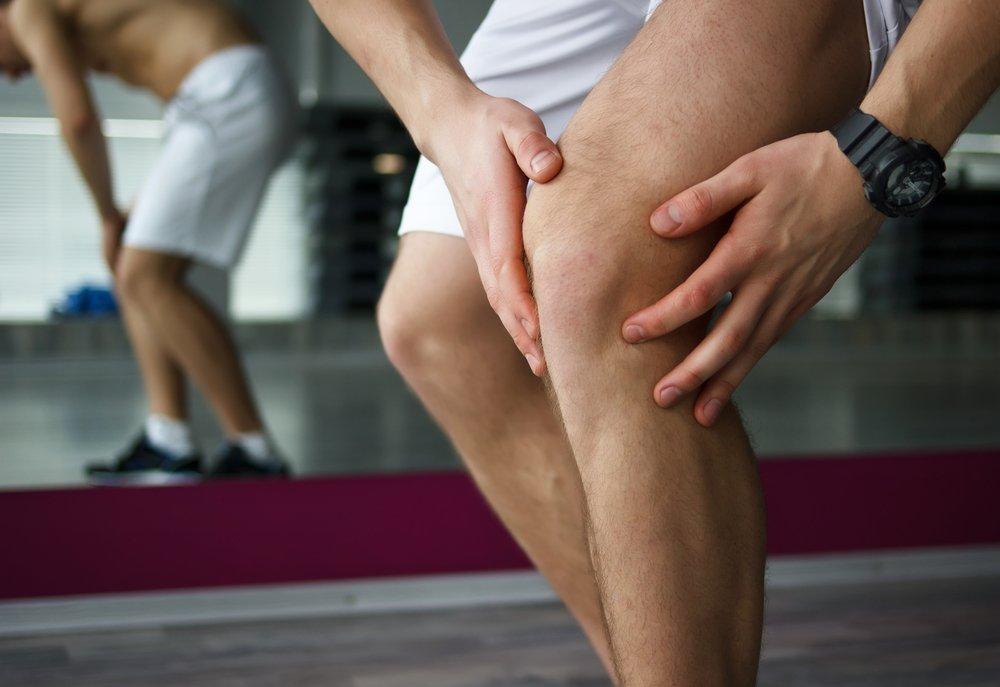 Признаки и симптомы: боль и отечность, тугоподвижность